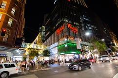 Nocy fotografia Westfield Pitt St zakupy centrum handlowe przy Sydney śródmieściem zdjęcia stock