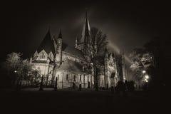 Nocy fotografie Nidarosdomen gothic katedra w Trondheim, Norwegia obrazy royalty free