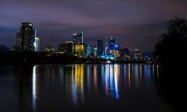 Nocy jaśnienia światełko nadzieja dla Austin Teksas obraz stock
