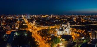 Nocy lata Voronezh pejzaż miejski Wierza zarządzanie południowo-wschodni kolei i Annunciation katedra obrazy royalty free