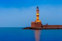Nocy latarnia morska w starym schronieniu, Chania, Crete Fotografia Stock