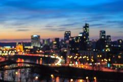 Nocy miasta zamazany tło Obrazy Stock