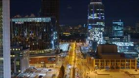 Nocy miasto, budynki z o?wietleniem zdjęcie wideo