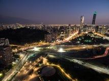 Nocy miasto zaświeca autostradę 01 Zdjęcia Stock