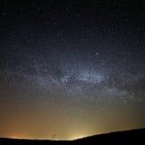 Nocy nieba gwiaździsty tło Obrazy Royalty Free