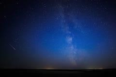Nocy nieba gwiaździsty tło Fotografia Stock