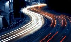 Nocy ruch drogowy obraz royalty free
