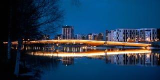 Nocy scena - Bridgde w Joensuu zdjęcie royalty free