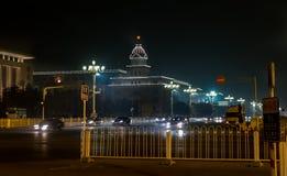 Nocy scena obok Qianmen stacji i Zhengyangmen bramy Qianmen bramy zdjęcia royalty free