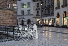 Nocy scena przy Targowym kwadratem, Krakow Obrazy Royalty Free