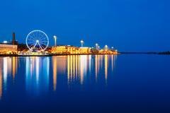 Nocy scenerii widok bulwar Z Ferris kołem obraz royalty free
