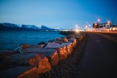 Nocy zatoczka w tle zdjęcie stock
