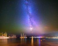 Nocy zatoka w Kemer z milky sposobu niebem Obrazy Royalty Free