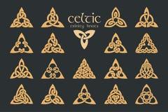 Nodo celtico della trinità di vettore 18 oggetti Ornamento etnico geometrico Immagine Stock