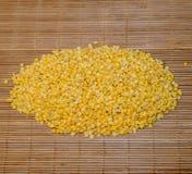 Nodo delle lenticchie gialle Fotografia Stock