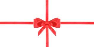 Nodo e nastri rossi dell'arco del raso sull'insieme bianco- 18 Immagini Stock