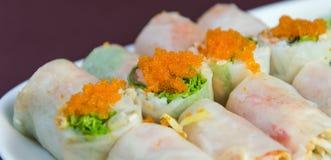 Noedelbroodjes met groenten Stock Foto's