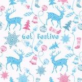 Noel-Karte mit Rotwild und Weihnachtsdekorationen. Lizenzfreie Stockfotos