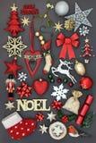 Noel Sign con le decorazioni di Natale Immagine Stock Libera da Diritti