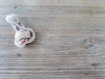Noeud de corde en vieux bois photo stock