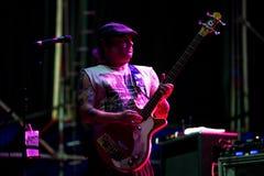 Nofx punk rock muzyczny zespół wykonuje w koncercie przy ściąganie ciężkiego metalu festiwalem muzyki zdjęcia stock