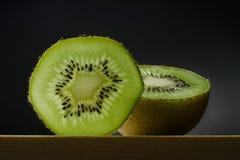 Nog het leven met kiwi fruit Stock Afbeeldingen