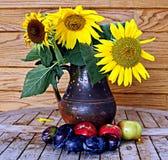 Nog leven-zonnebloemen Stock Afbeelding