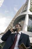 Nog op de telefoon Stock Foto