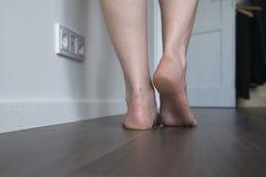 nogi odosobniona biała kobieta fotografia royalty free
