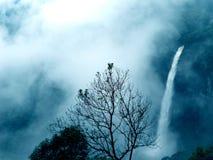 Nohkalikai瀑布Cherrapunjee梅加拉亚邦 图库摄影