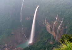 Nohkalikai fällt Cherrapunji Meghalaya Indien Stockfotos