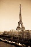 Noir d'horizon de Paris photo stock