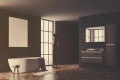 Noir et affiche de coin de salle de bains de brique modifiée la tonalité Images libres de droits