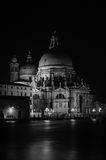 Noir et blanc de la basilique Santa Maria della Salute Photos stock