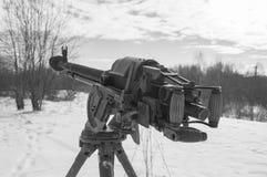 Noir et blanc, une mitrailleuse lourde de la deuxième guerre mondiale Photo libre de droits