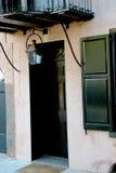 Noir et Tan Door et entrée en Sc de Charleston Photographie stock libre de droits