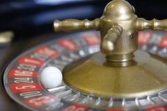 Noir rouge de nombre de chance de jeu de jeu de roulette photographie stock