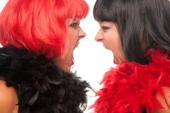 noircissez chaque d'une chevelure d'autres femmes criardes rouges Photos stock