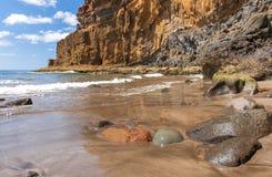 Noircissez la plage volcanique de sable Île de Tenerife Image stock