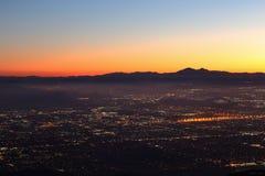 A noite cai em San Bernardino County imagens de stock royalty free