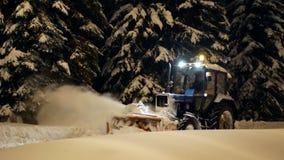 Noite clara do parque da neve vídeos de arquivo