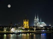 Noite Colónia com lua. Imagens de Stock