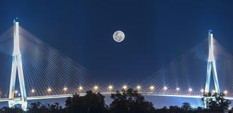Noite da Lua cheia da ponte de Can Tho Imagens de Stock