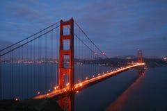 Noite da ponte de porta dourada Fotografia de Stock Royalty Free