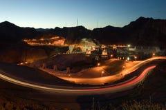 Noite da represa de Hoover com estrada imagens de stock royalty free