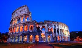 Noite de Colosseum foto de stock