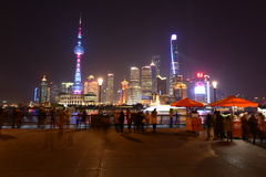 Noite de dezembro na barreira de Shanghai foto de stock royalty free