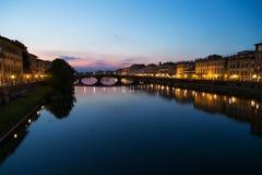 Noite de Florence Ponte Vecchio  Foto de Stock Royalty Free