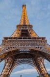 A noite de Paris da torre Eiffel Fotos de Stock Royalty Free