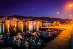 Noite de Pier On Seaside Town At dos pescadores fotos de stock